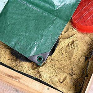 Abbildung 4: Abdeckplane von einem Sandkasten mit Abdeckung