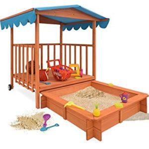 Spielhaus und Sandkasten mit Abdeckung